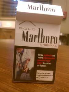 Marlboro pack in french